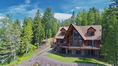 Maison en bois rond (arrière)